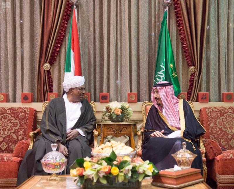استقبال الملك لرئيس السودان