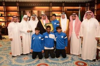 أمير الباحة يشيد بصعود نادي العين للدرجة الثانية - المواطن