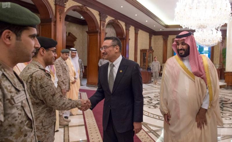 استقبال ولي ولي العهد لوزير الدفاع الماليزي 2