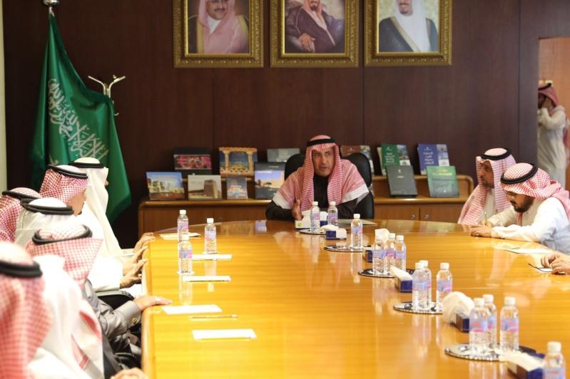 استقبل المهندس إبراهيم بن محمد السلطان، أمين منطقة الرياض، بمكتبه بالأمانة (2)