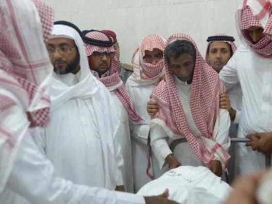 استقل والد الشهيد العريف طارق محمد حلوي جثمان ابنه