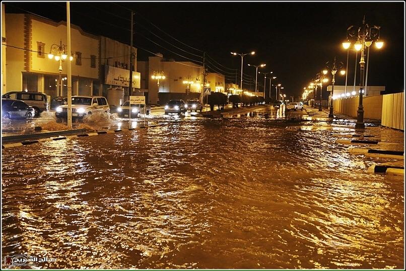 استنفار في رفحاء بسبب الأمطار (1)