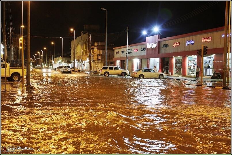 استنفار في رفحاء بسبب الأمطار (3)