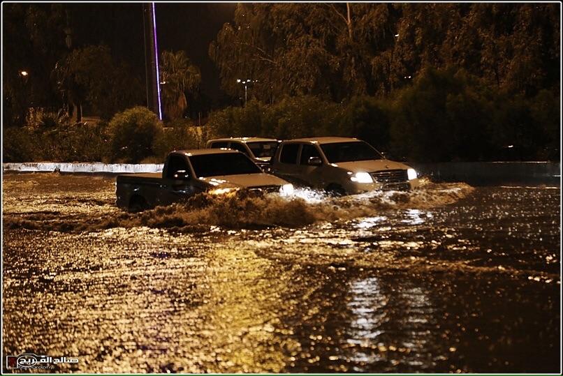 استنفار في رفحاء بسبب الأمطار (4)