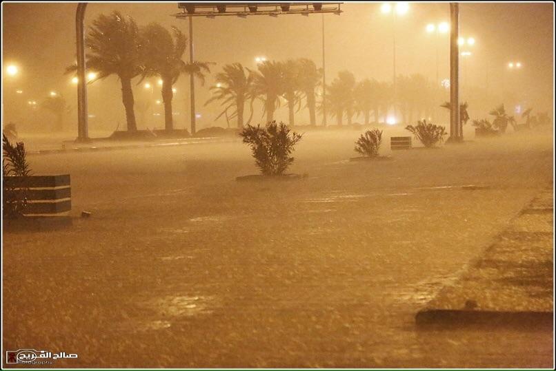 استنفار في رفحاء بسبب الأمطار (5)