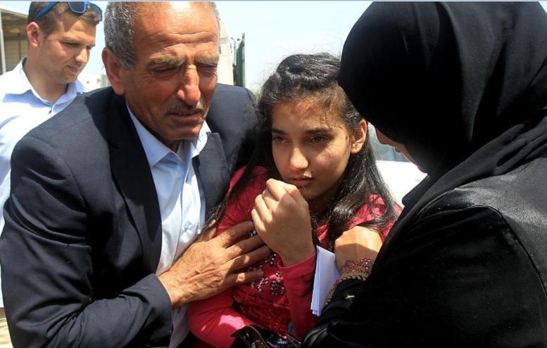 اسرائيل تفرج عن اصغر اسيرة فلسطينية
