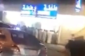بالفيديو.. طوابير أمام محلات السجائر قبل تطبيق أسعار الدخان الجديدة - المواطن