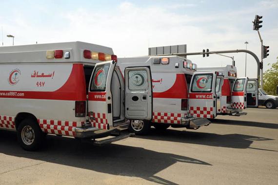 اسعاف-طواريء-سيارة-أسعاف-هلال-احمر-