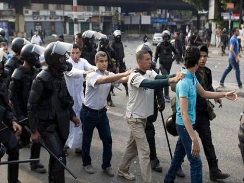 اشتباكات أمام جامعة الأزهر