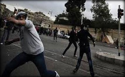 اشتباكات بين أهالي القاهرة القديمة وأنصار مرسي