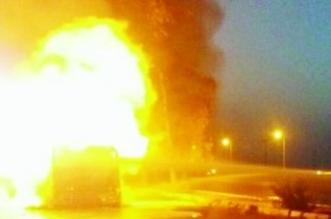 اشتعال شاحنة ديزل يغلق طريق الساحل بمكة ويصيب قائدها - المواطن