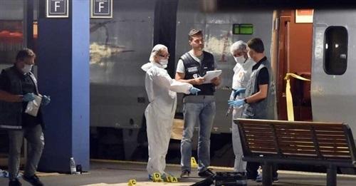 اعتداء-علي-قطار-فرنسي