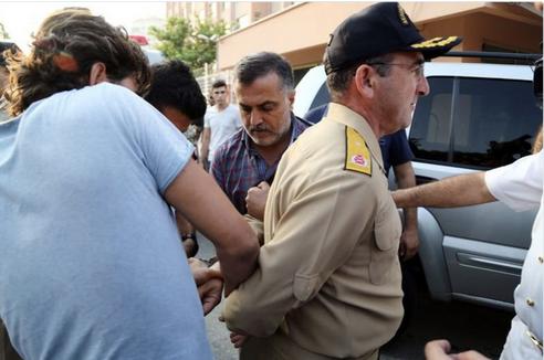 اعتقالات واسعة في صفوف منظمي الانقلاب في تركيا