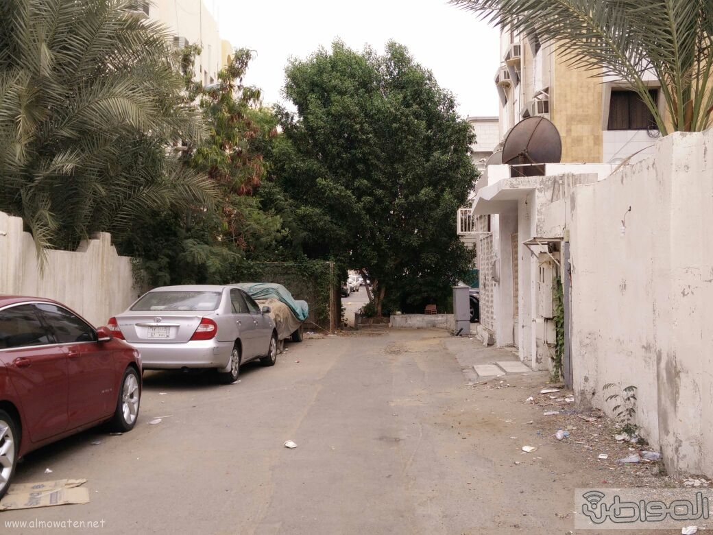 اغلاق شارعين بحي الروضة بجدة (7)