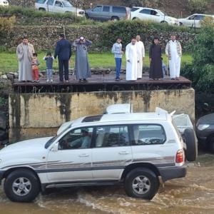 اغلاق طريق قرى بني مازن (1)