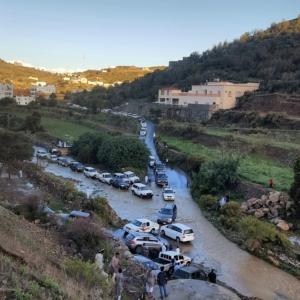 اغلاق طريق قرى بني مازن (31195653) 