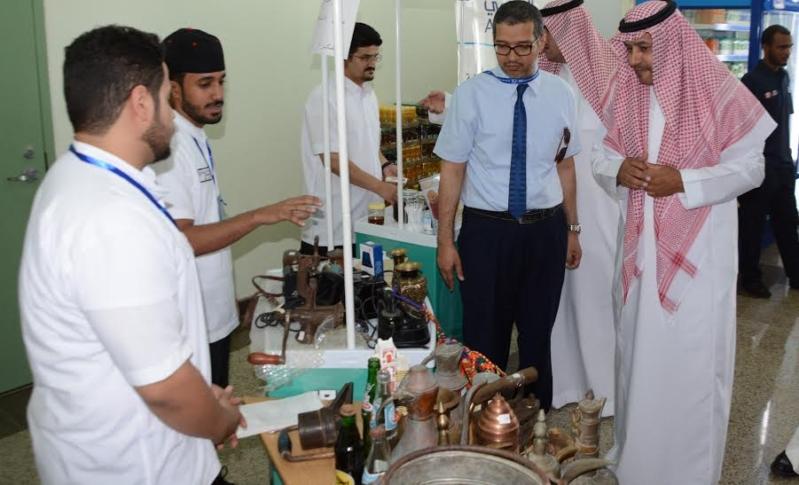 افتتاح التاجر الشاب بتقنية جدة بمشاركة القطاعين الخاص والعام3