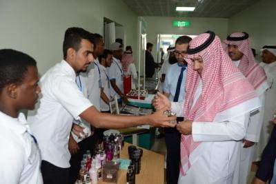 افتتاح التاجر الشاب بتقنية جدة بمشاركة القطاعين الخاص والعام4