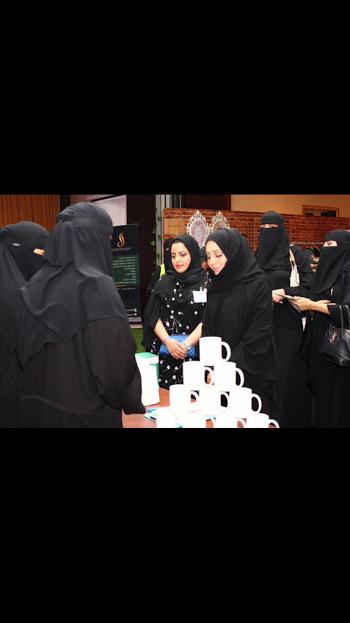 افتتاح معرض ليالي فيروز بالخبر 9
