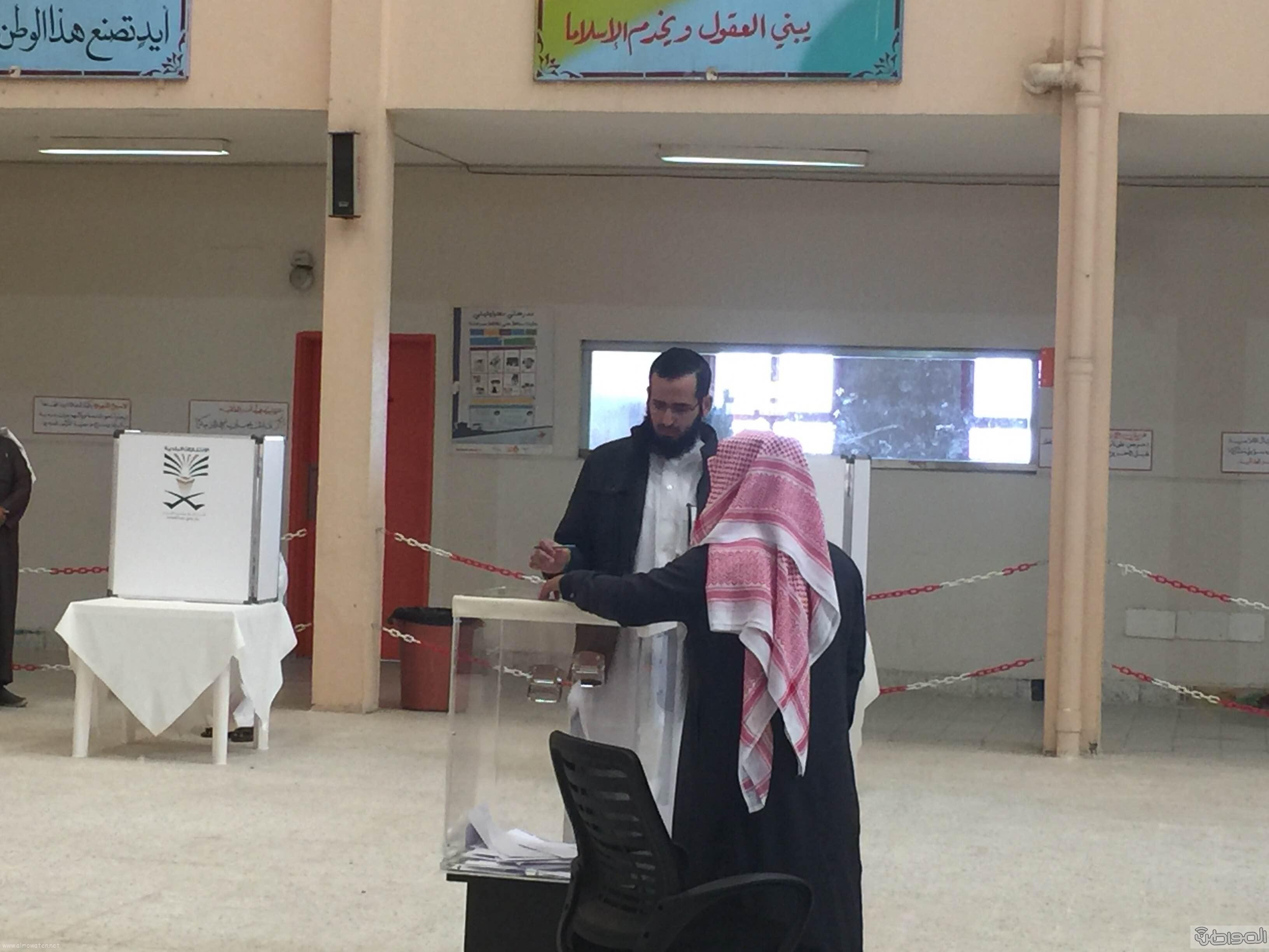 اقبال-ضعيف-للانتخابات-بخميس-مشيط (6)