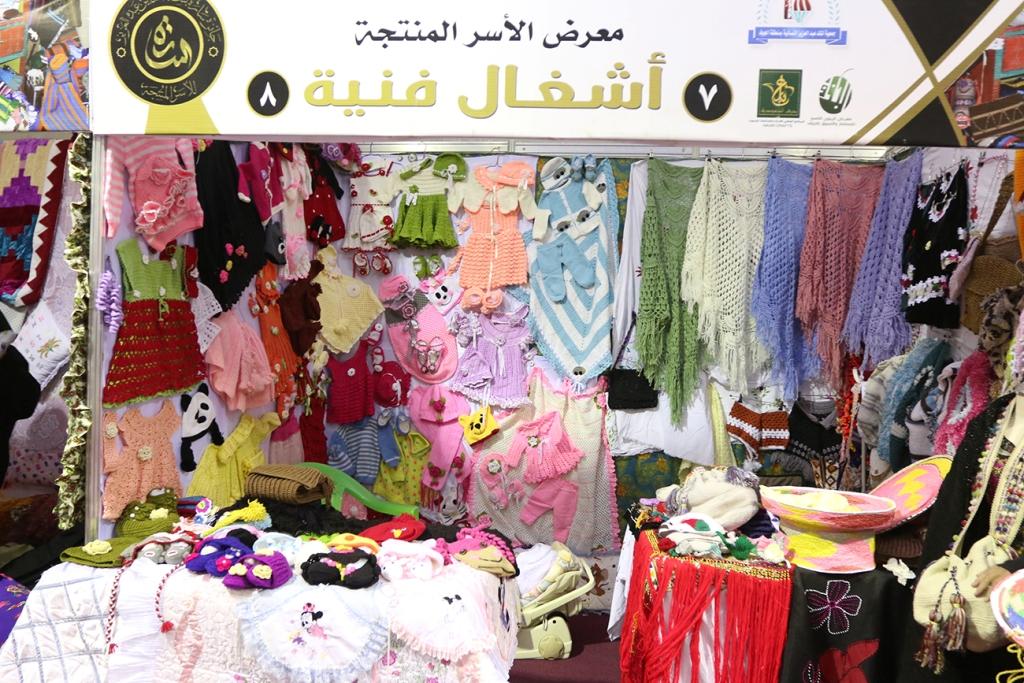اكبر سوق سعودي للأسر المنتجة بمهرجان الزيتون بالجوف (11)