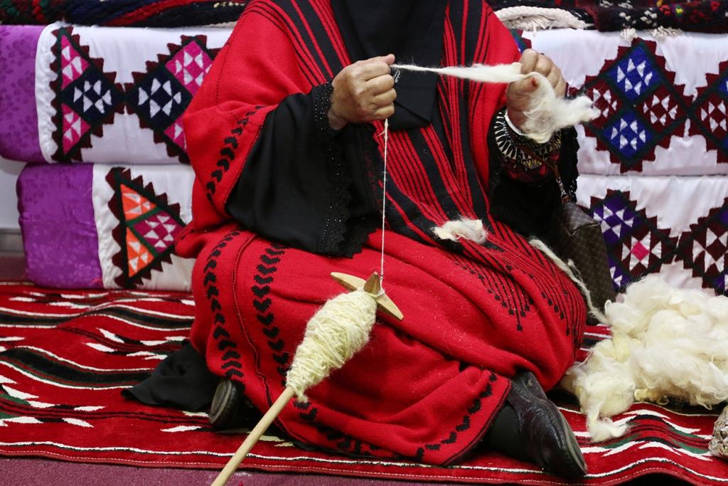 اكبر سوق سعودي للأسر المنتجة بمهرجان الزيتون بالجوف (14)
