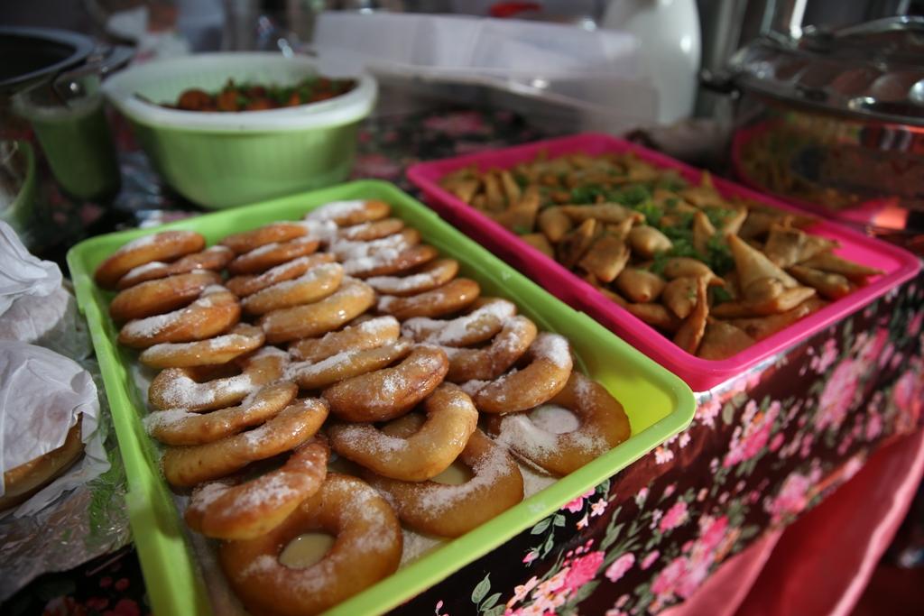 اكبر سوق سعودي للأسر المنتجة بمهرجان الزيتون بالجوف (3)