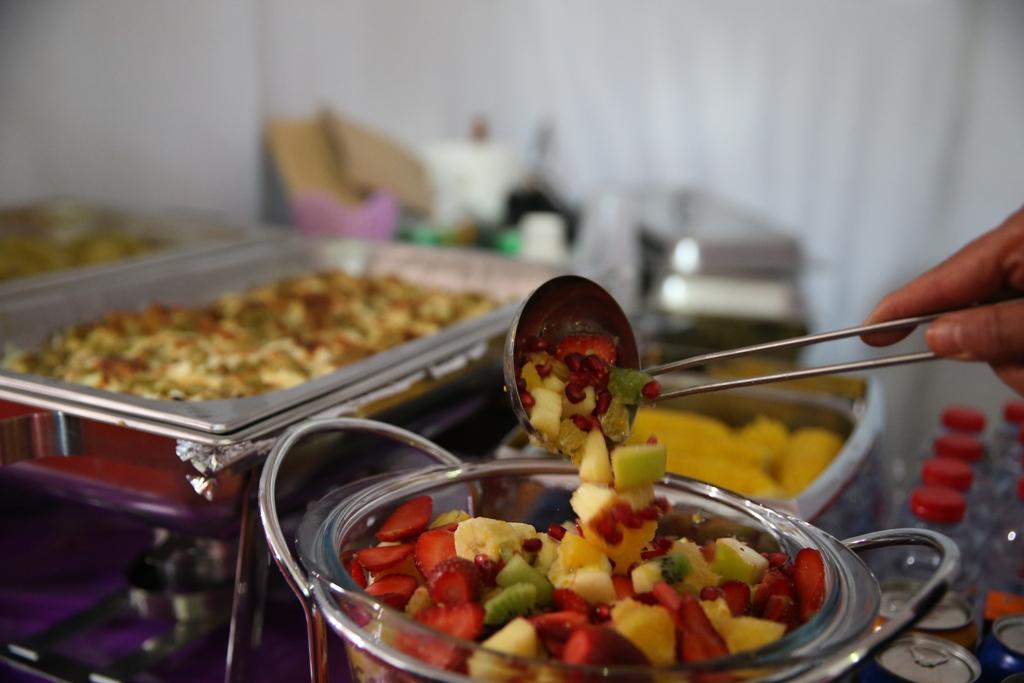 اكبر سوق سعودي للأسر المنتجة بمهرجان الزيتون بالجوف (5)