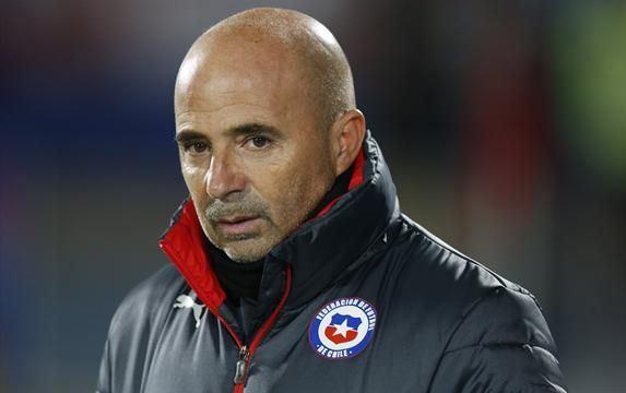 الأرجنتيني خورخي سامبولي مدرب المنتخب التشيلي