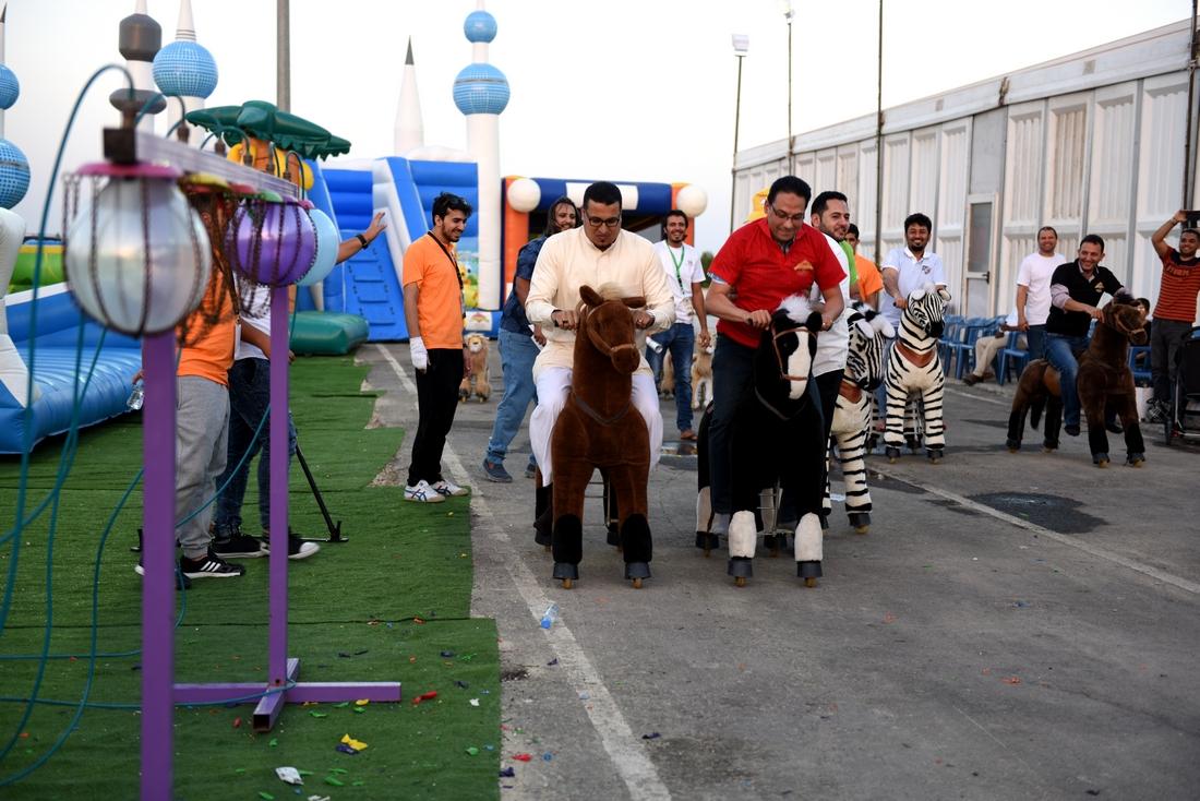 الألعاب النارية وعروض الأطفال تجذب الزوار بعيد الشرقية 37 (3)