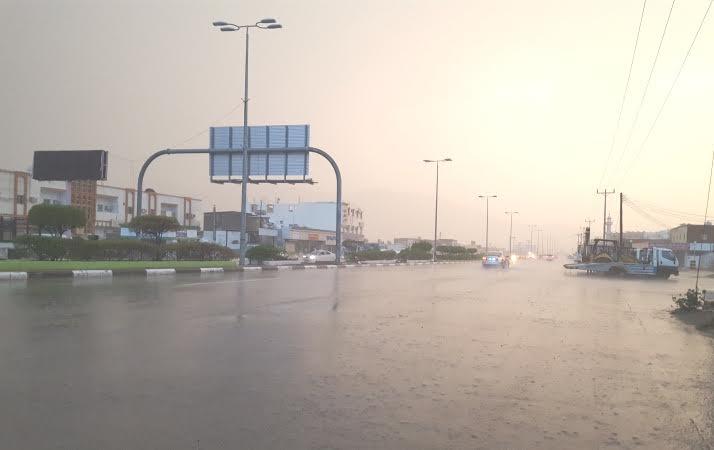 الأمطار تقطع التيار 6 ساعات   (1) 