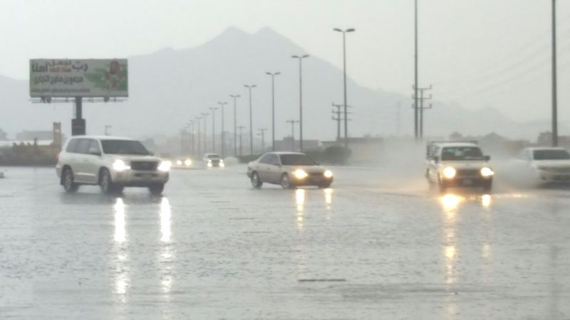 الأمطار على بارق والمجاردة والكهرباء خارج الخدمة (332555245) 