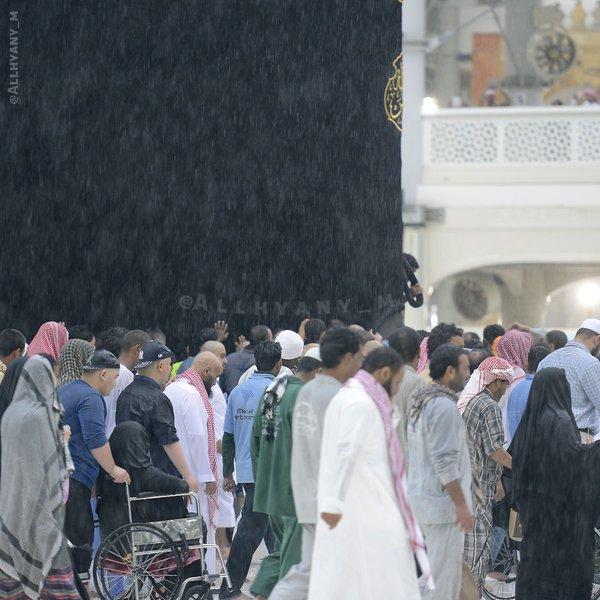الأمطار على مهبط الوحي وقبلة المسلمين