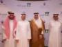 الأمير بندر بن سعود والمهندس ياسر أبو سليمان بعد توقيع الاتفاقية بالرياض...