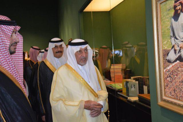 الأمير خالد الفيصل يفتتح معرض الفهد.. روح القيادة (17)
