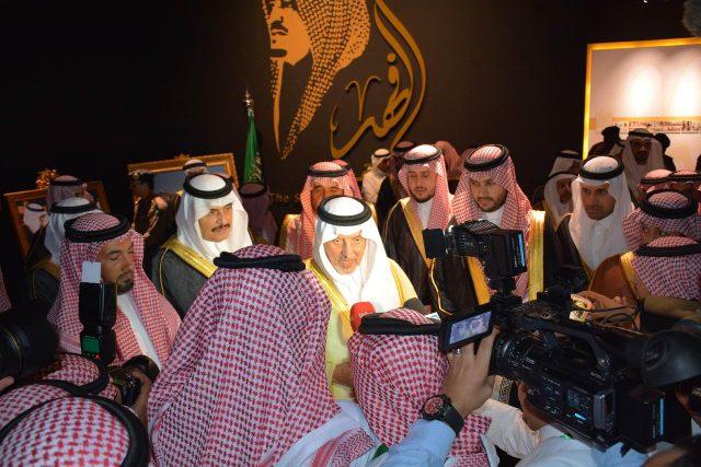 الأمير خالد الفيصل يفتتح معرض الفهد.. روح القيادة (18)