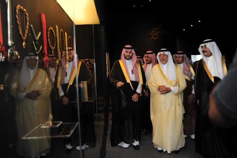 الأمير خالد الفيصل يفتتح معرض الفهد.. روح القيادة (2)