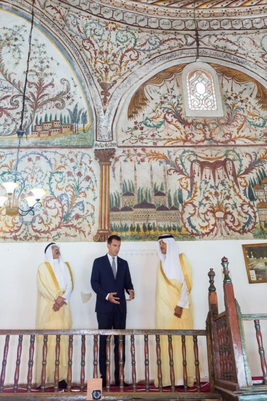الأمير سلطان بن سلمان يزور المسجد التاريخي والمتحف الوطني في تيرانا 2