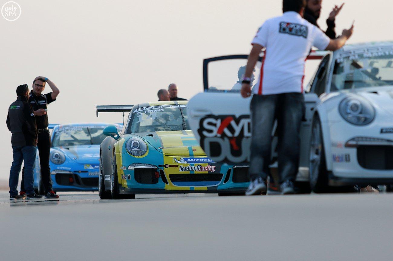 الأمير عبدالله بن مساعد يتوج الفائزين بالجولة الثالثة من مهرجان السباقات السعودي (1)