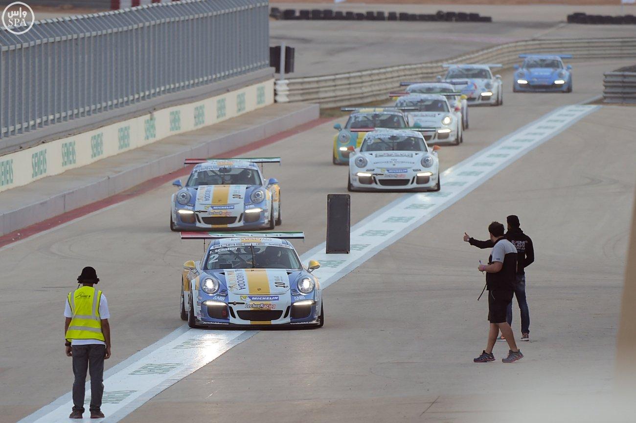 الأمير عبدالله بن مساعد يتوج الفائزين بالجولة الثالثة من مهرجان السباقات السعودي (4)