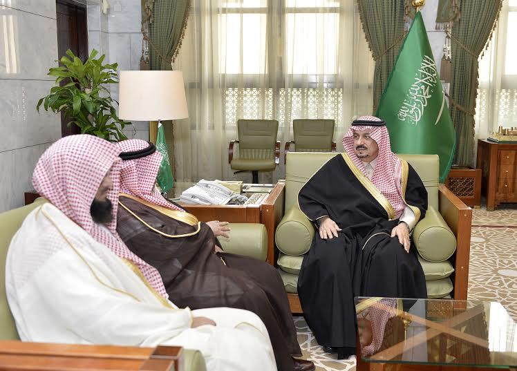 الأمير فيصل بن بندر يستقبل مدير جامعة الأمام المكلف وعميد المعهد العالي للقضاء5