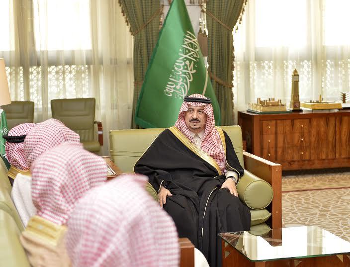الأمير فيصل بن بندر يستقبل مدير جامعة الأمام المكلف وعميد المعهد العالي للقضاء9