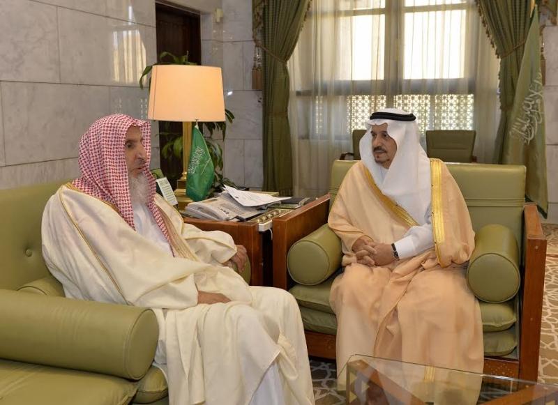 الأمير فيصل بن بندر يستقبل مفتى عام المملكة