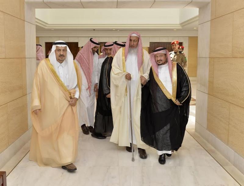 الأمير فيصل بن بندر يستقبل مفتى عام المملكة 1