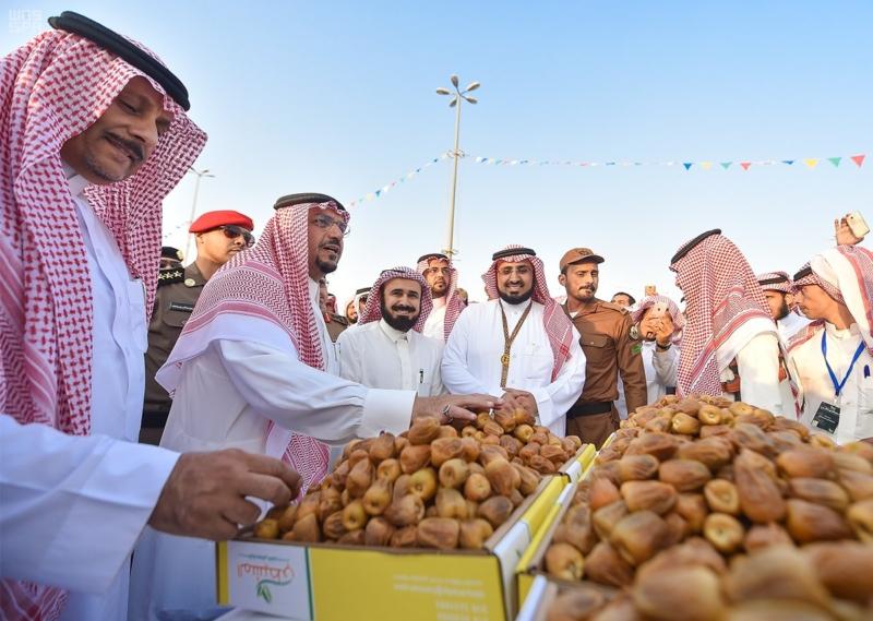 """الأمير فيصل بن مشعل: مهرجان """"تمور بريدة"""" يحقق تطلعات رؤية المملكة 2030 4"""