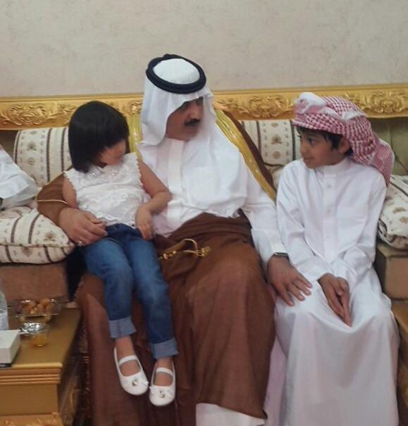 الأمير #متعب_بن_عبدالله يعزّي أسرة الصخابرة (1)