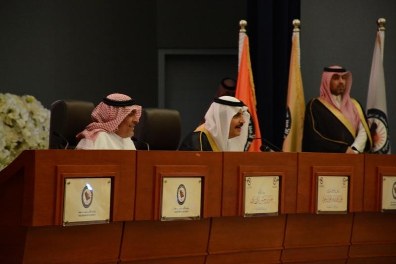 الأمير محمد بن فهد يدشن مركز الأمير نايف للتسامح والسلام وكرسي النانو (4)