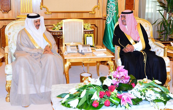 الأمير مقرن يستقبل الزياني ويبحثان التعاون بين دول الخليج