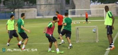 الأهلي يواصل تدريباته في الدوحة3