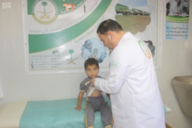 شاهد .. الأيادي السعودية البيضاء تعالج 3194 سوريًا خلال أسبوع في الزعتري - المواطن